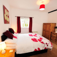 Lewis_short_stay_apartment_oxford_double_bedroom_ensuite_03
